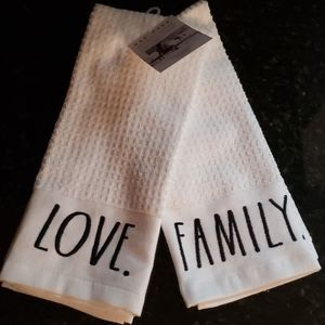 NWT Rae Dunn Kitchen Towels (2)  *Love* *Family*